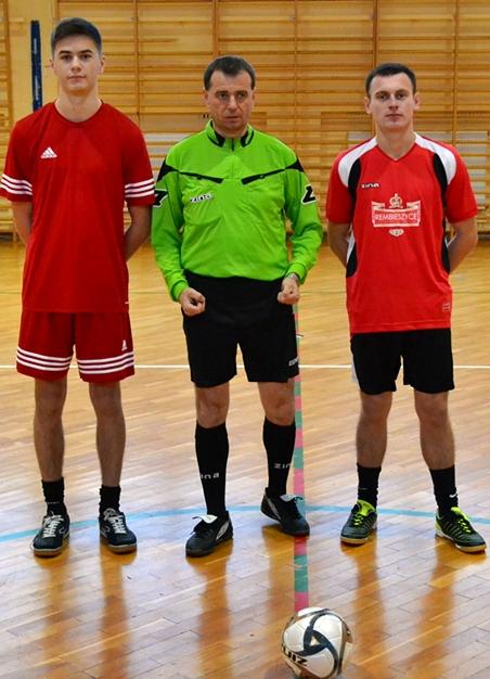 X Gminny Turniej Halowej Piłki Nożnej opuchar Burmistrza Miasta iGminy Małogoszcz – Dream Team pierwszym liderem!