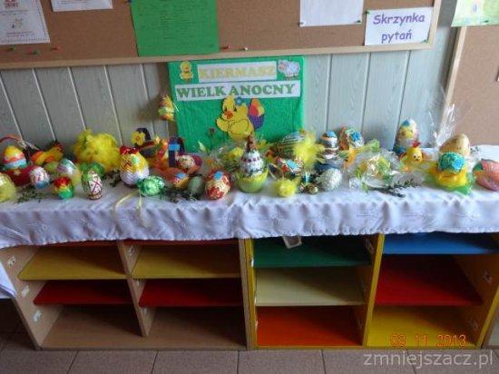 ,,Pisani,pisanki-jajka wielkanocne˝-zajęcia otwarte dla rodziców wPrzedszkolu Publicznym wKozłowie